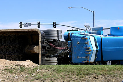 Truck accidents can cause severe injuries, particularly when a semi jackknifes or overturns, like this one. Call a Kenner Truck accident lawyer today to discuss your options.