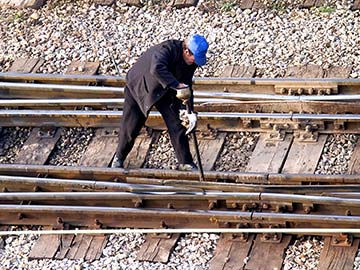 Louisiana railroad workers face dangerous conditions on a daily basis. When they are injured, a federal statute called FELA is there to provide compensation. Kenner FELA attorneys are experienced in handling railroad injury claims and can expertly guide you through the process to get you the money you deserve.